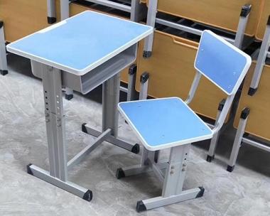 旅顺课座椅